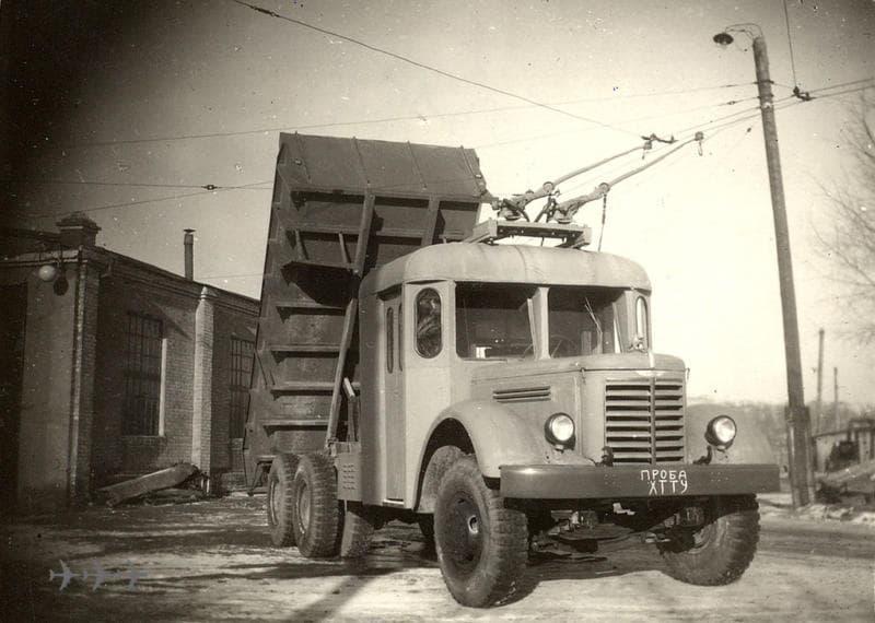 грузовик СССР с рогами